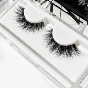 Office Makeup Is Inseparable From wearing MINK EYELASHES