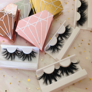 mink eyelashes and eyelashes packaging