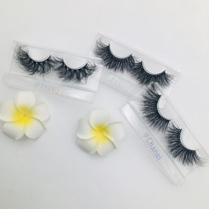 luxury mink eyelashes.